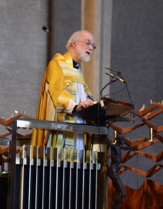 Archbishop Rowan preaching at Coventry Cathedral