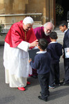 Pope Benedict and Archbishop Rowan greeting children at Lambeth Palace
